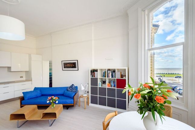 Thumbnail Flat for sale in Third Avenue, Hove