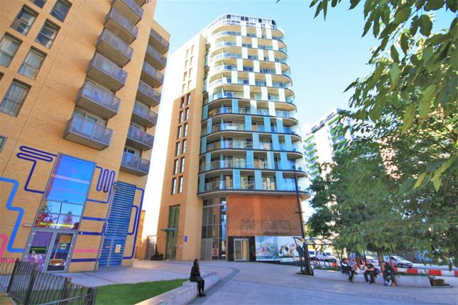 Thumbnail Flat for sale in Loampit Vale, Lewisham, London