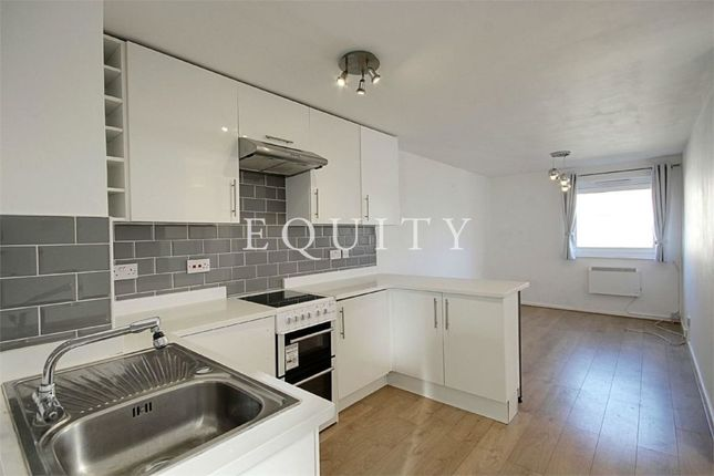 Thumbnail Flat for sale in Hadrians Ride, Enfield