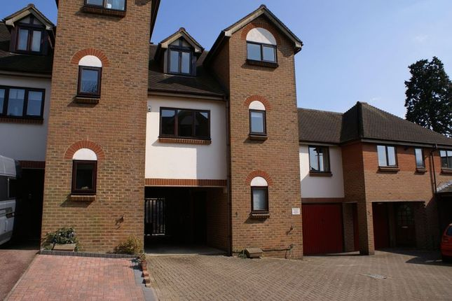 Thumbnail Town house to rent in Oliver Rise, Alton