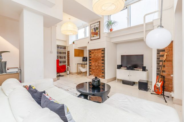 Thumbnail Flat for sale in City View House, London, London