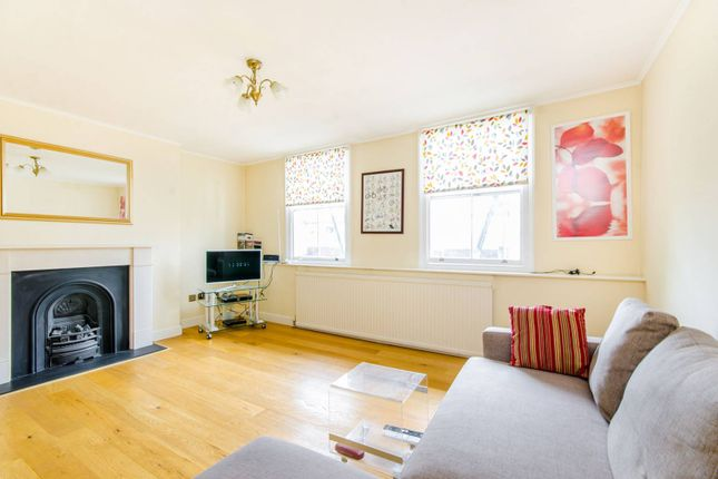 2 bed flat to rent in Liverpool Road, Angel