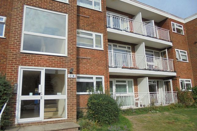Thumbnail Flat to rent in Cooden Drive, Bexhill-On-Sea