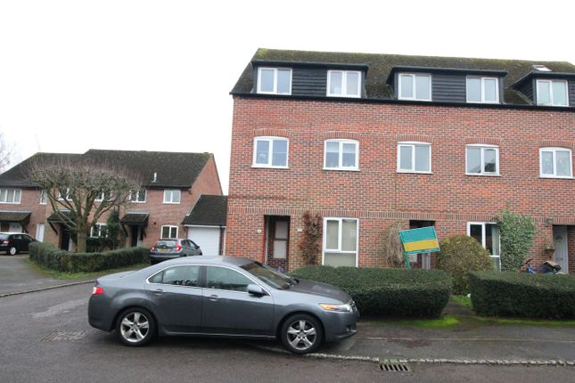 1 bed flat for sale in Crawford Place, Newbury RG14