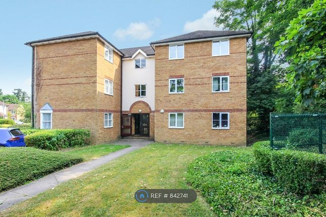 2 bed flat to rent in Chagny Close, Letchworth Garden City SG6
