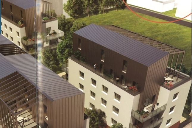 Apartments for sale in rh ne rh ne alpes france for Top garage villeurbanne