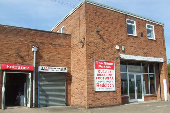 Commercial property to let in Hewell Road, Redditch, Worcs