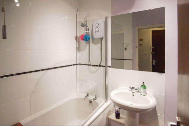 Bathroom of 18 Bellefield Avenue, Dundee DD1