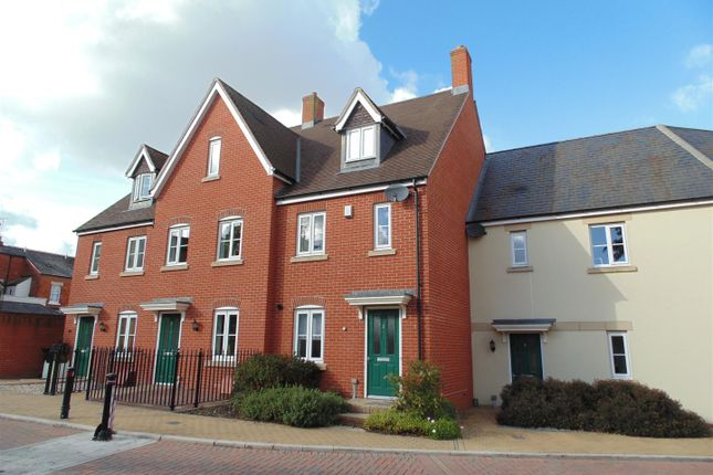 Thumbnail Town house to rent in Steeple View, Swindon
