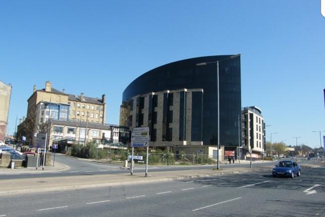 Thumbnail Flat to rent in Leeds Road, Bradford
