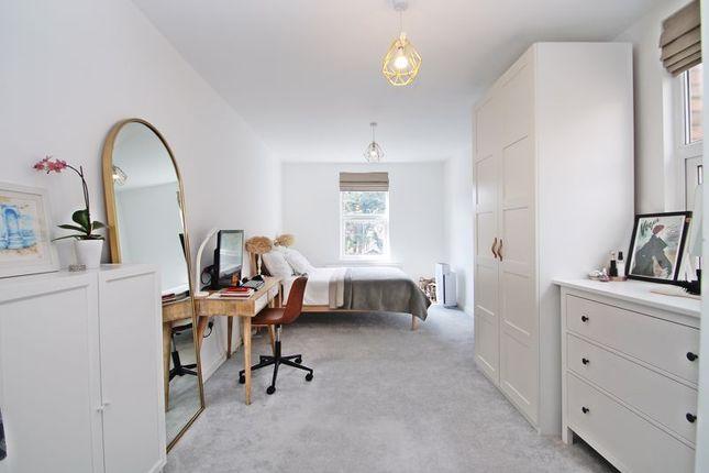 2 bed flat for sale in Headstone Road, Harrow HA1