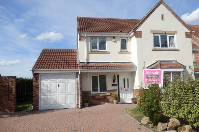 Thumbnail Detached house for sale in Brinsmead Court, Rothwell, Leeds
