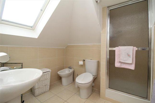 Shower Room of Learmonth Street, Falkirk FK1