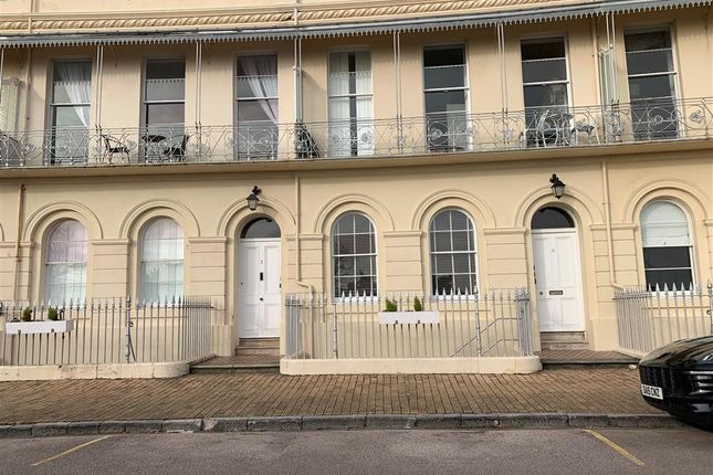 Flat to rent in Hesketh Crescent, Torquay