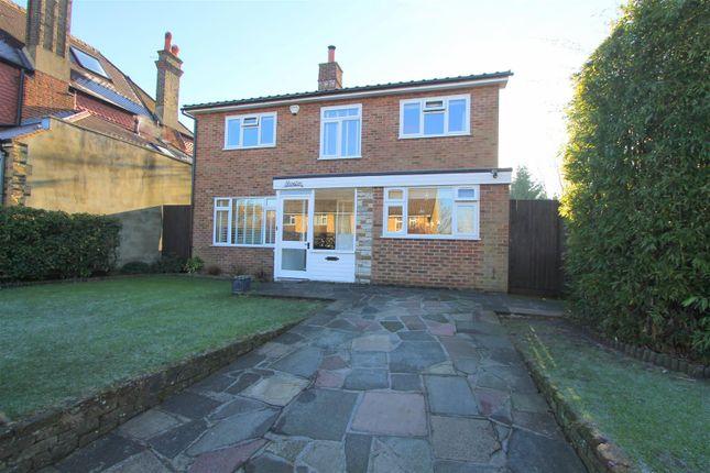 Thumbnail Detached house for sale in Park Road, Wallington