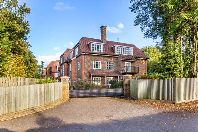 Thumbnail Flat for sale in London Road, Sunningdale, Ascot