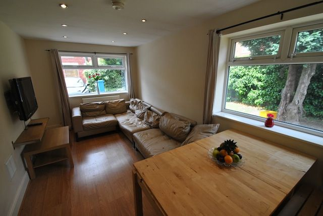 Thumbnail Semi-detached house to rent in Edgeworth Drive, Fallowfield, Manchester