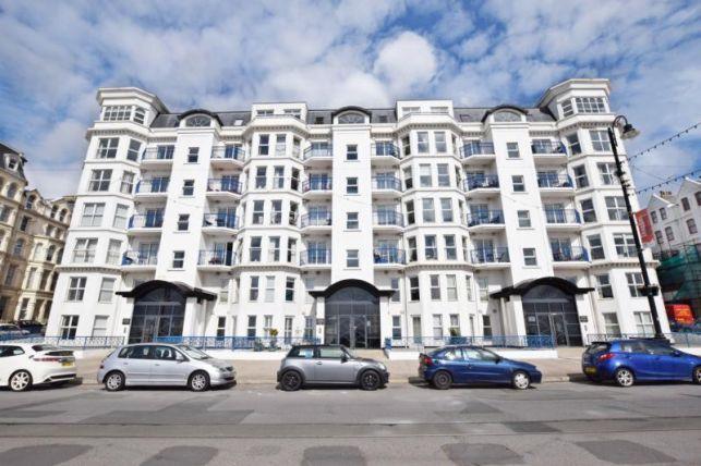 Thumbnail Flat to rent in Empress Apts, Central Promenade, Douglas