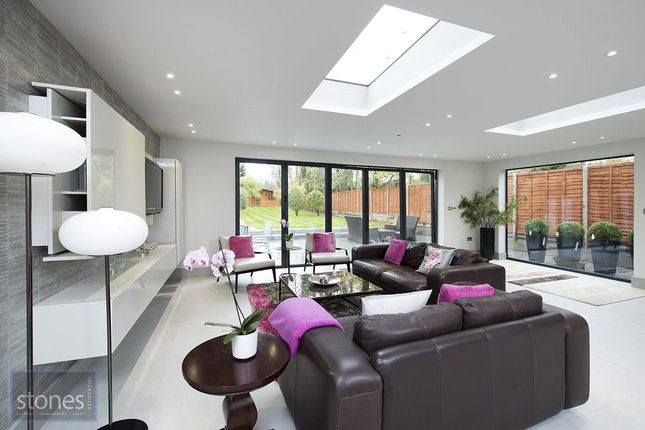 Thumbnail Detached house to rent in Connaught Drive, Temple Fortune, London