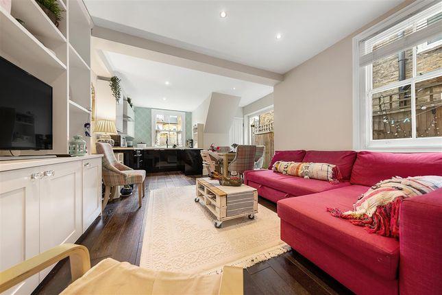Flat for sale in Trentham Street, London