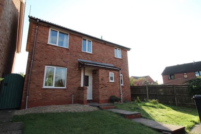 3 bed detached house to rent in Foxglove Road, Worcester WR5