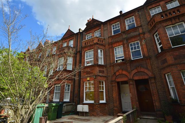 3 bed flat to rent in Goldhurst Terrace, London