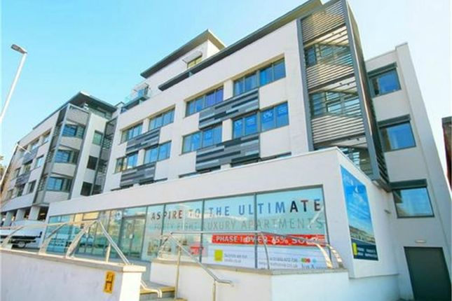 2 bed flat for sale in Parkstone Road, Parkstone, Poole