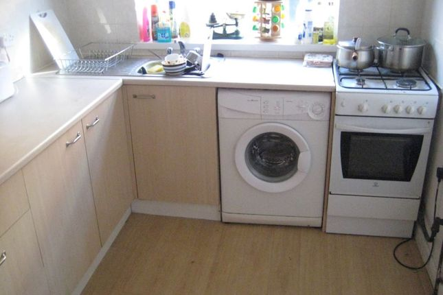 Thumbnail Property to rent in Mayville Place, Hyde Park, Leeds