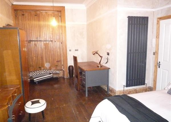 Thumbnail Terraced house to rent in Room 2, 19 Wentworth Street, Huddersfield