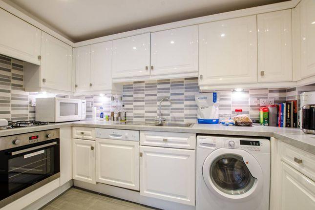 2 bed flat to rent in Folgate Street, Spitalfields