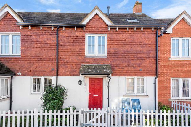 1 bed flat to rent in Newark Lane, Ripley, Woking GU23