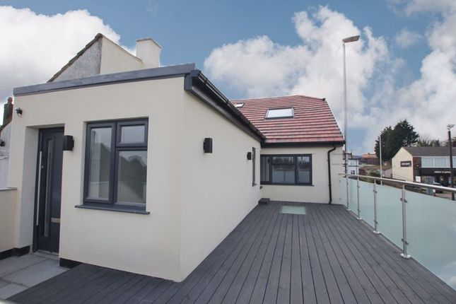 3 bed flat for sale in Telegraph Road, Heswall, Wirral CH60