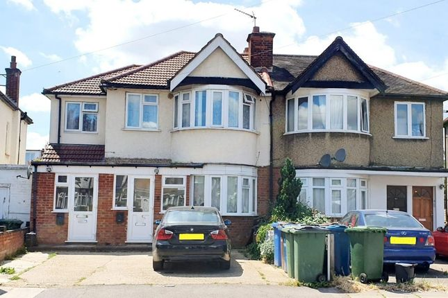 Thumbnail Property to rent in Lynton Road, Harrow, Middlesex