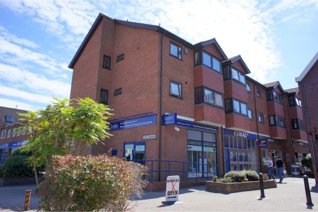 Thumbnail Flat for sale in Denly Way, Lightwater