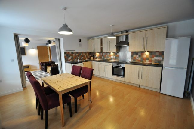 3 bed flat to rent in Millers Green, Nottingham NG2