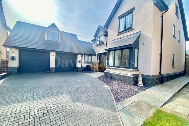 Detached house to rent in Penperlleni, Pontypool, Monmouthshire.