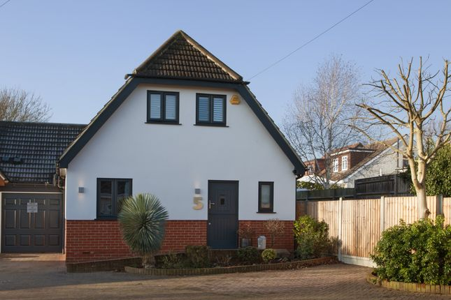 Thumbnail Link-detached house for sale in Amelle Gardens, Romford, Essex