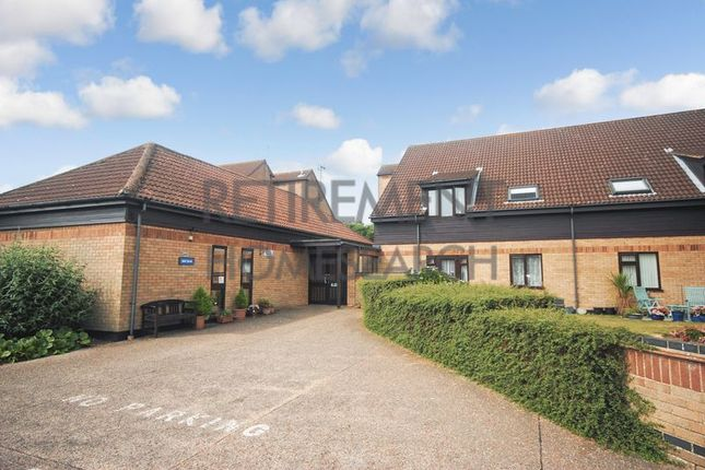 Thumbnail Flat for sale in Meadow Court, Gorleston-On-Sea