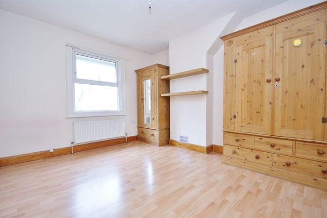 4 bed terraced house for sale in Wulfstan Street, London