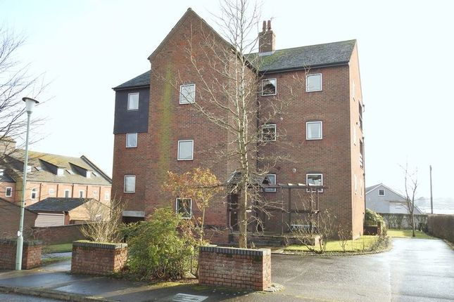 1 bed flat to rent in Maltsters Way, Lowestoft