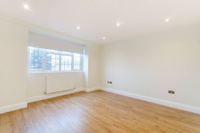 2 bed flat to rent in St Marks Hill, Surbiton KT6