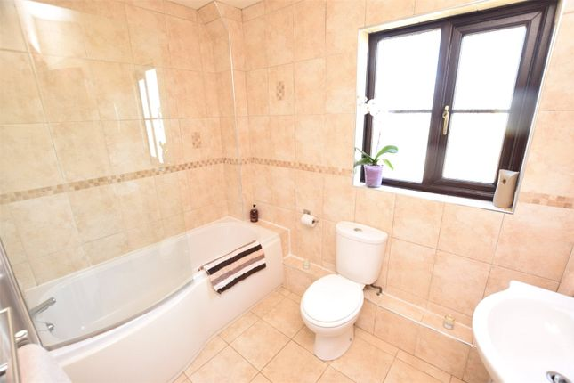 Bathroom of Bridge Park, Bridgerule, Holsworthy EX22