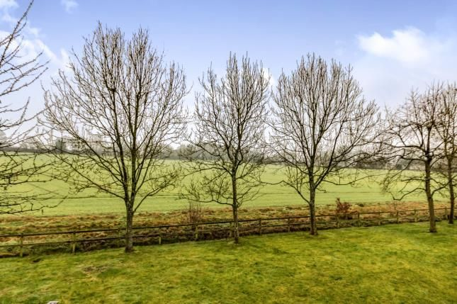 2 bed maisonette for sale in Hartley Wintney, Hook, Hampshire