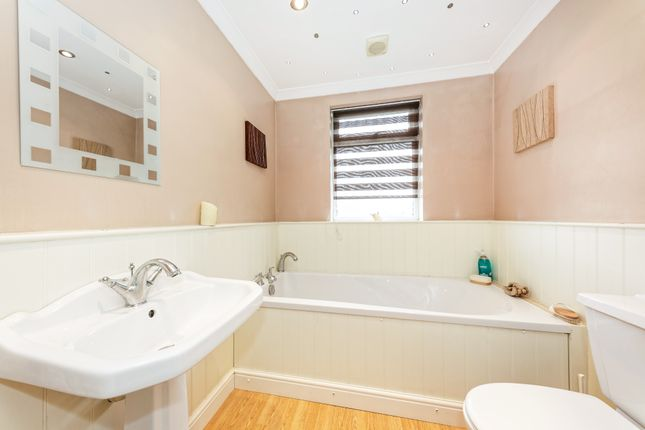 Bathroom Wc of Sturry Hill, Sturry, Canterbury, Kent CT2