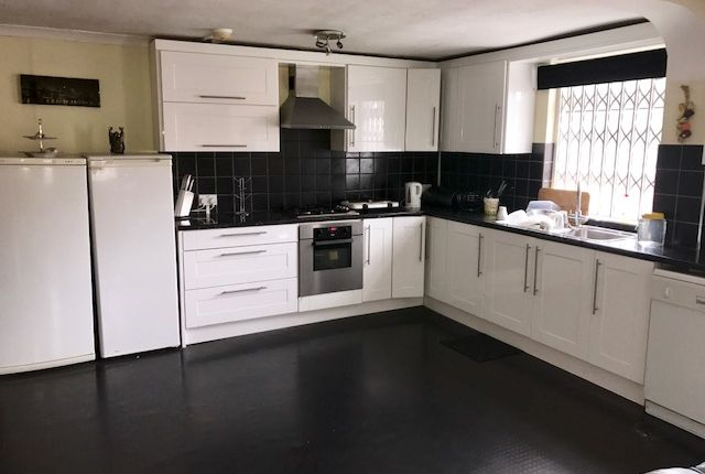 Thumbnail Flat to rent in Kingstanding Road, Kingstanding, Birmingham