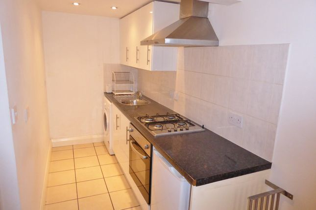 1 bed flat to rent in London Road, Tooting Junction SW17