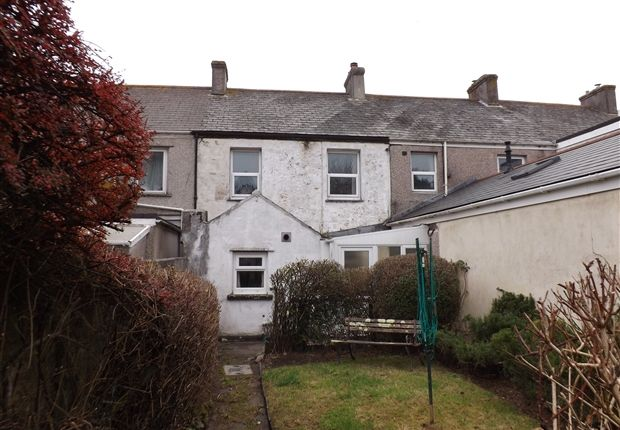 Thumbnail Terraced house for sale in Tolvaddon, Camborne