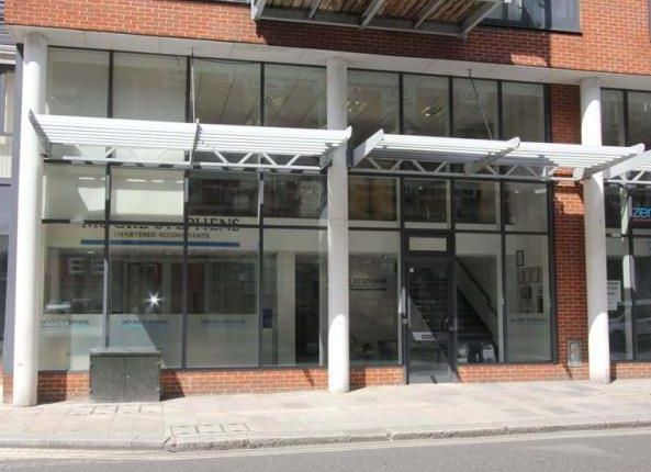 Thumbnail Retail premises to let in Unit, 114, High Street, Southampton