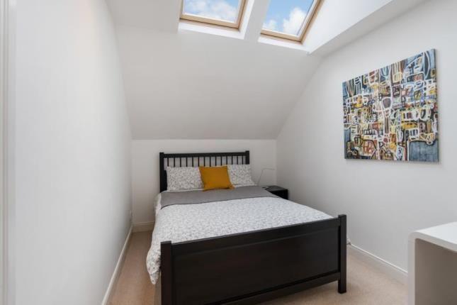 Bedroom of Crow Road, Broomhill, Glasgow G11