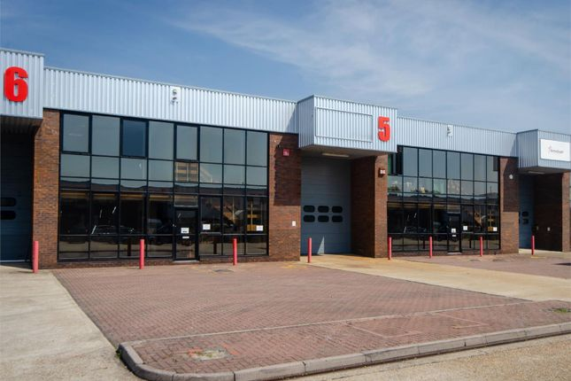 Thumbnail Warehouse to let in Railway Triangle Walton Road, Portsmouth, Hampshire